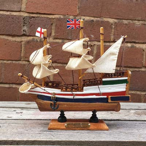 Wooden Model of the British ship 'Golden Hind' - Simply Roka