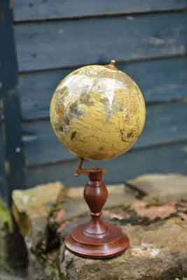 Small Vintage Look Globe with Round Wooden Base - Diameter 13cm - Simply Roka