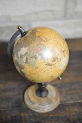 Vintage Look Globe with Round Wooden Base - Diameter 15cm - Simply Roka