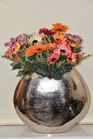 Rubus - Modern Vase - Curved with Shredded Edge Simply Roka