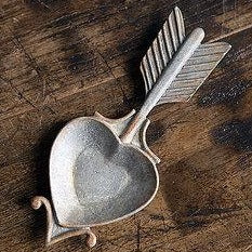 Zinc Heart Dish With Arrow