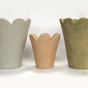 Surrey Pots showing the 3 colors it comes in, Grey Moss, Natural and Verde Natural