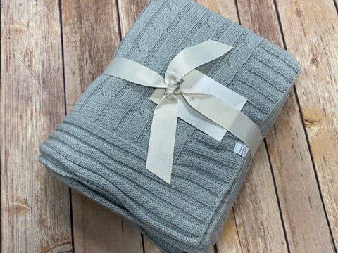 Cable Knit Baby Blanket - gray