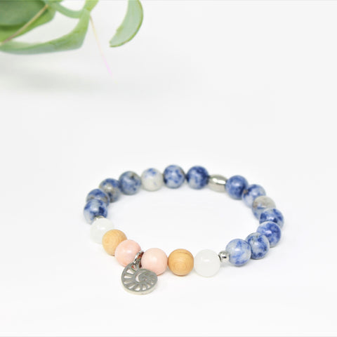 Bracelet Playa - Pink Aventurine, Denim Lapis Lazuli, White Quartz and cedarwood