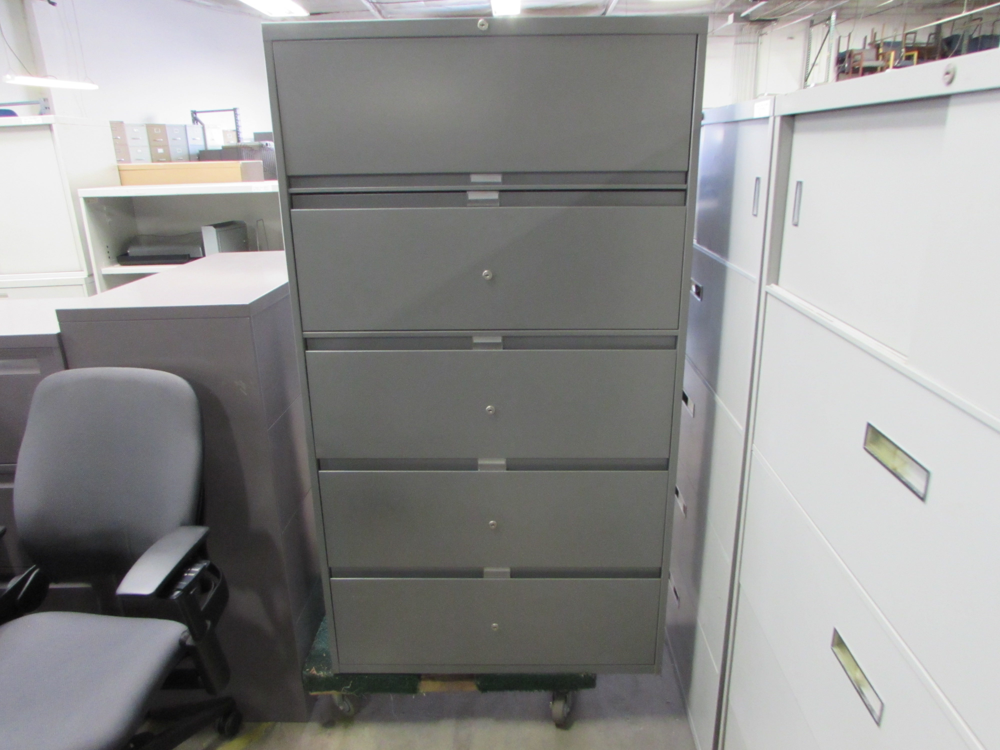 Steelcase Grey Multilock 5 Drawer Lateral File Cabinet