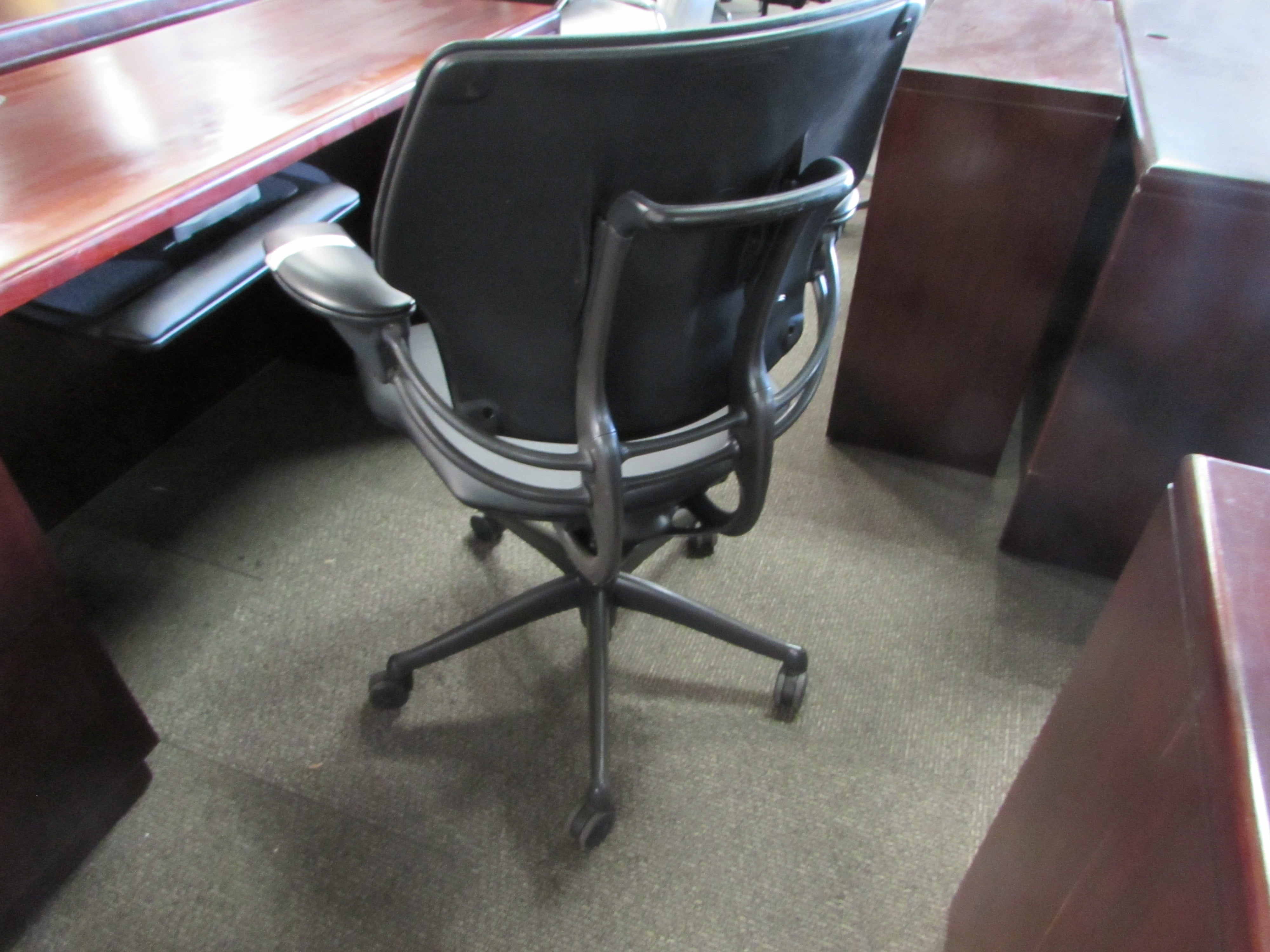 idea decor headrest furniture your black lamp freedom steelcase chair leap for humanscale elegant office room