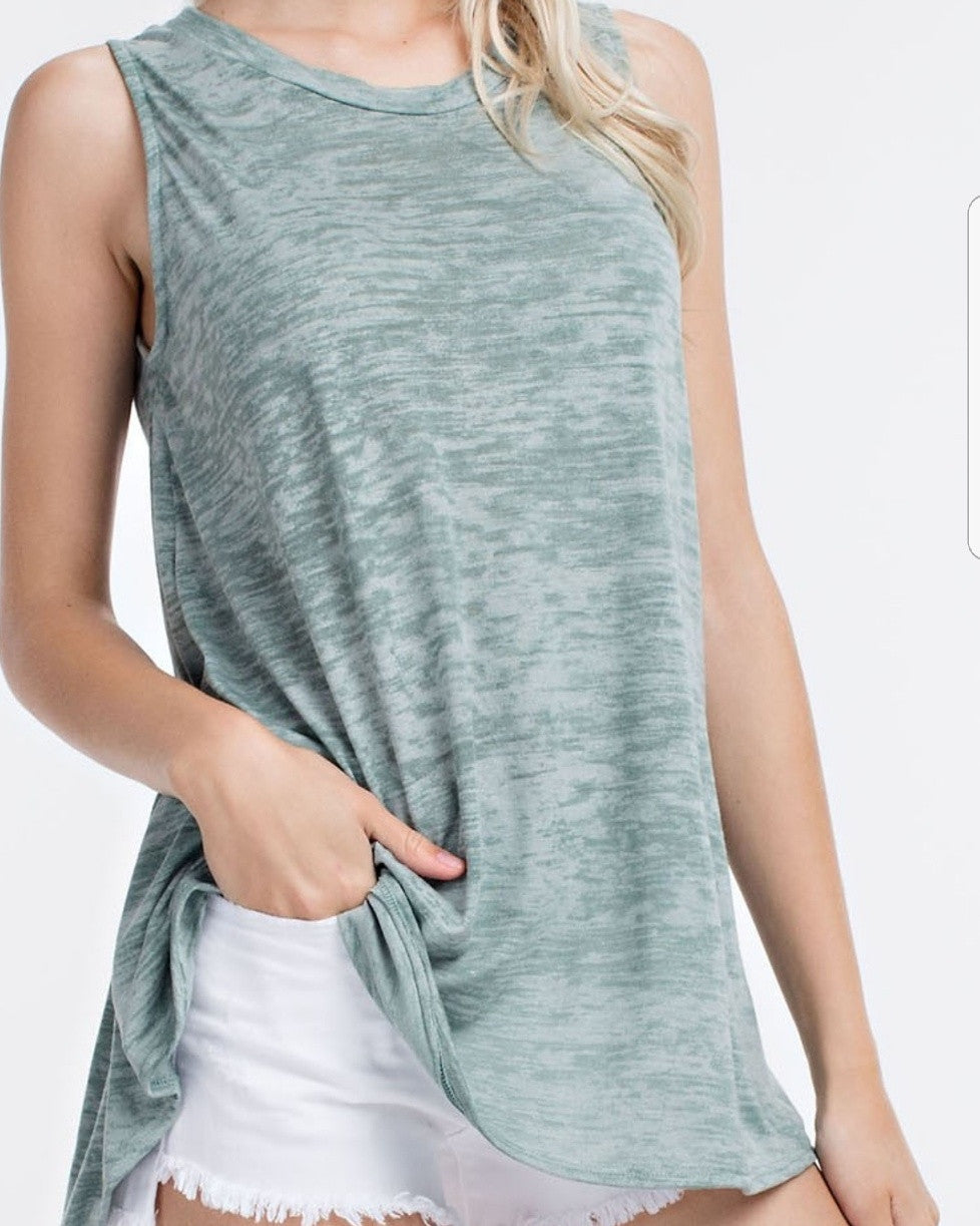 Sleeveless gray Shirt