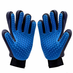 blue-pet-grooming-glove-that removes-loose-pet-hair