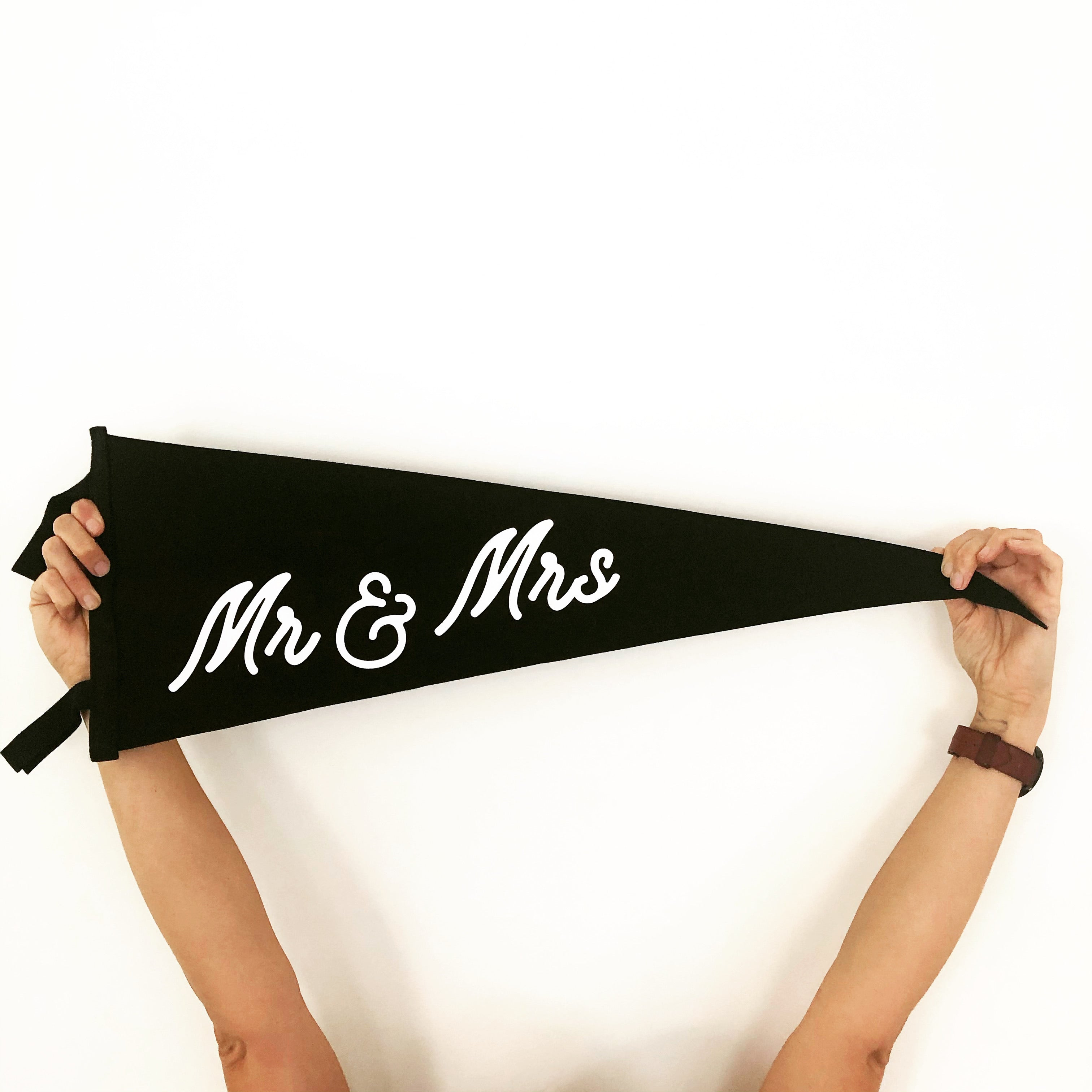 Mr & Mrs • Wedding Pennant