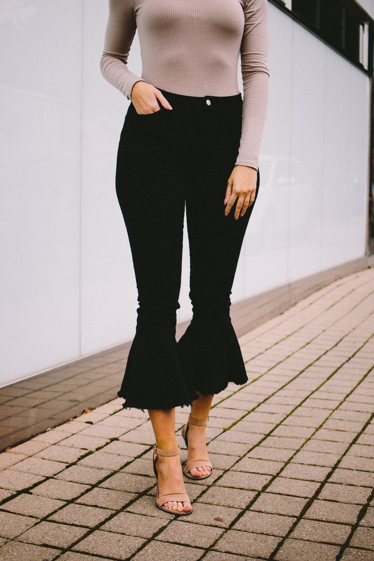 Cropped Frill Flare Jeans