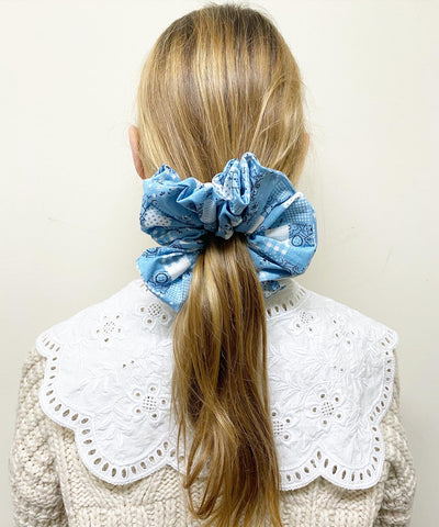 JUMBO SCRUNCHIE with VINTAGE FABRIC LIGHT BLUE QUILT PRINT Collaboration with Sweet Dreams Stitchery