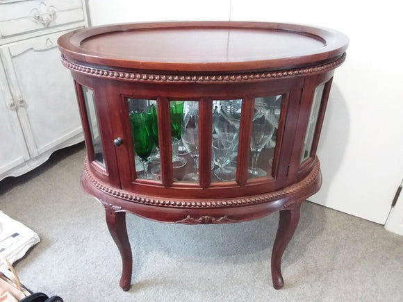 Victorian-style Round Drinks Cabinet (9002)