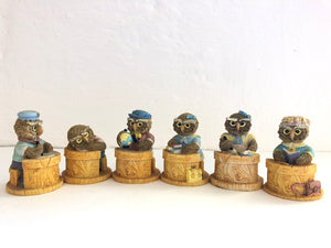 6 x Miniature School Pupils Owls (8217)