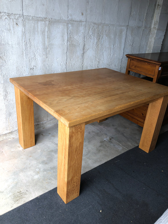 English Oak Solid Dining Table (8286)