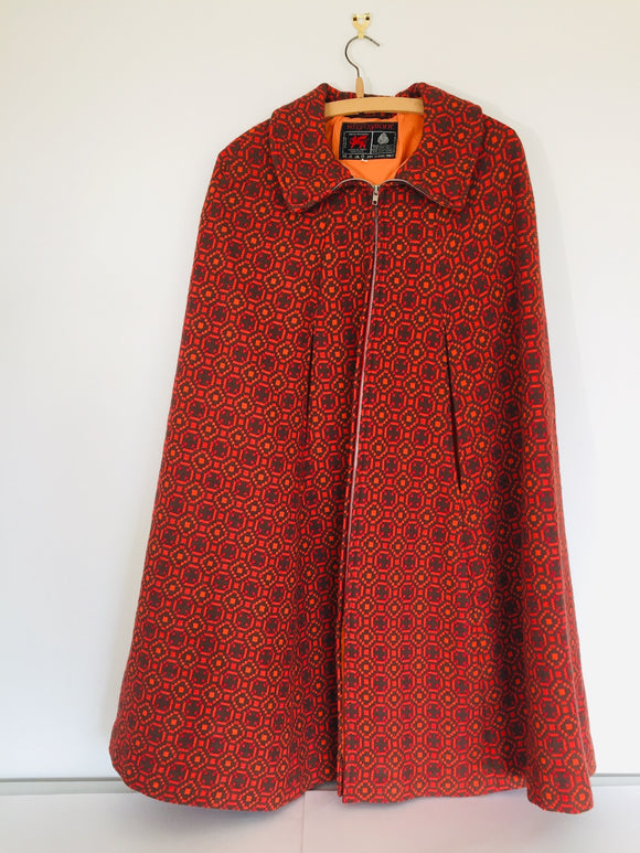 *Gorgeous RETRO* Pure Wool WELSH Cape (ref: 6652)