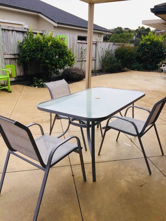 Outdoor Glass Table with Three Chairs (ref: 6679)