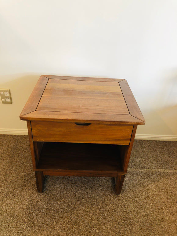 Single Bedside Table with Drawer (8294)