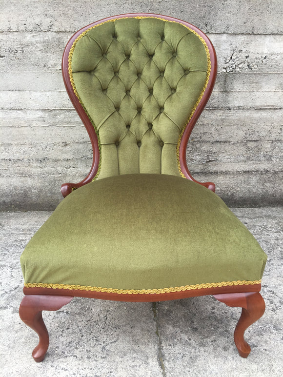 Victorian Replica Deep Buttoned Chair (ref: 7351)