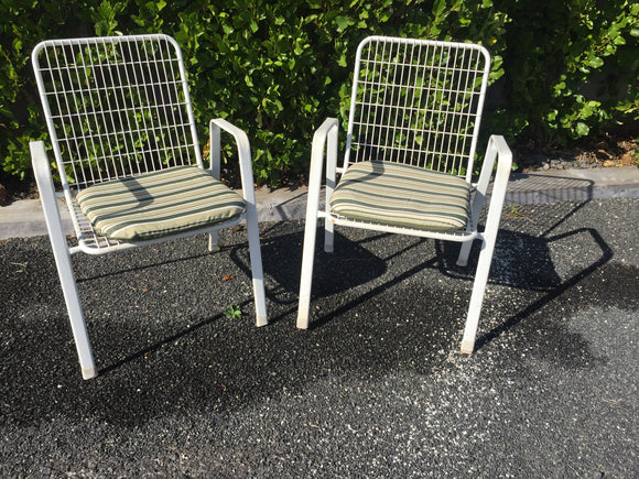 White Wire Chairs x 2 (7412)