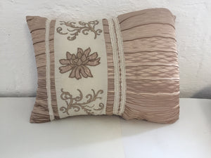 Ruffled Fawn Cushion (7449)