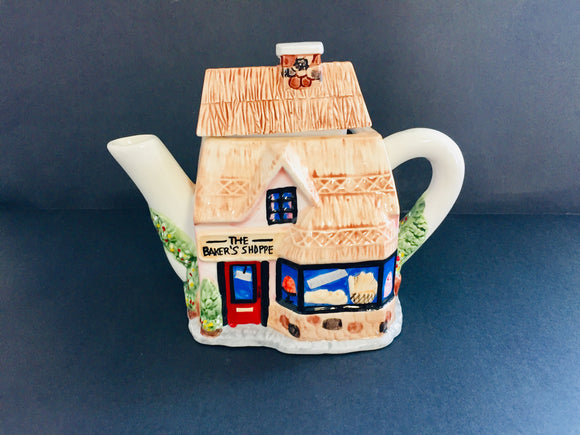 Collectable Teapot: The Bakers Shop (7531)