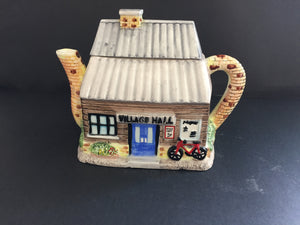 Collectable Teapot: The Village Hall (7535)