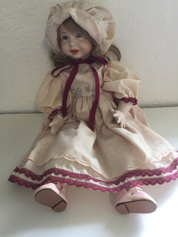 Cheerful face Porcelain Doll (7675)