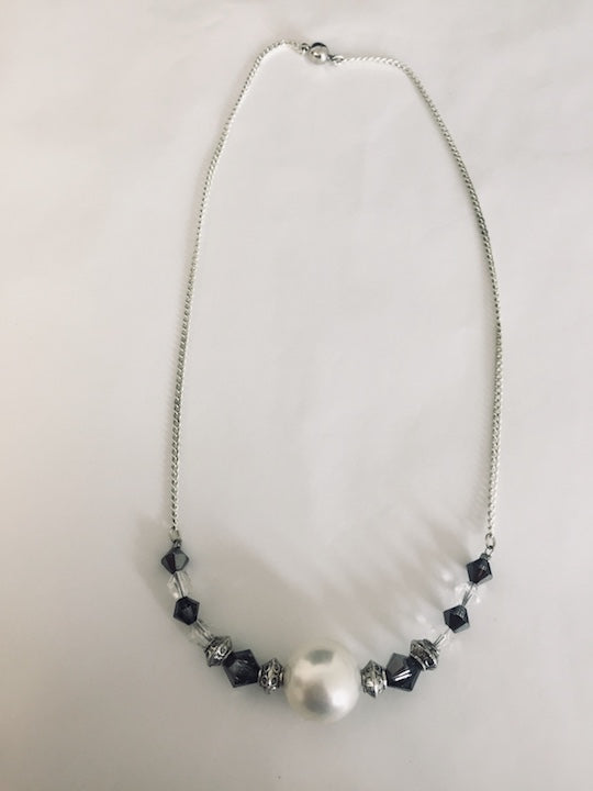 Beautiful Pearl and Crystal Choker (ref: 5561)