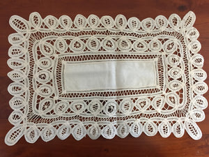 Rectangle Cream Doily (7856)