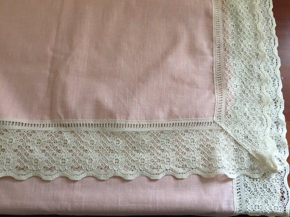 Pink Linen and Cream Lace Table Cloth (7878)