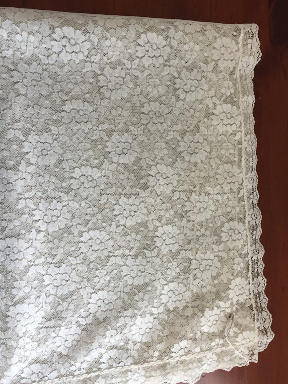 Square Cream Lace Table Cloth (7879)