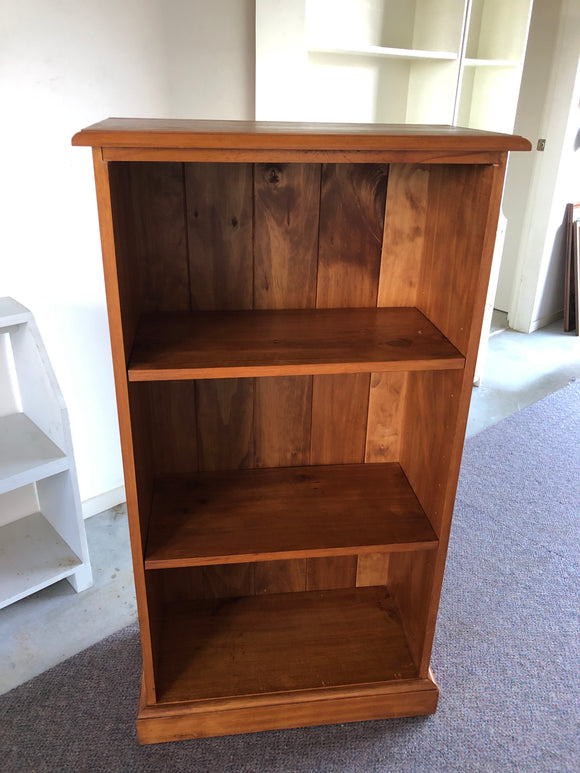 Small Recycled Rimu Bookcase (8877)