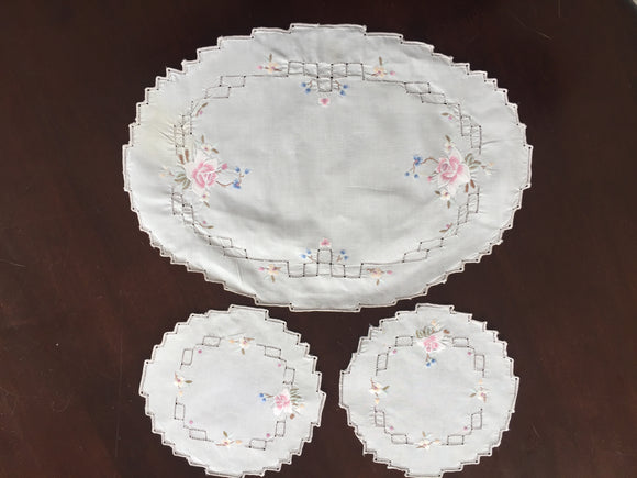 3 Piece Doily Set (8545)