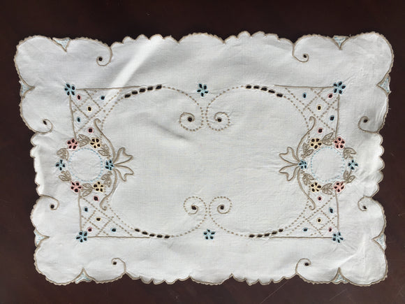 Cream Linen Embroidered Tray Cloth (8548)
