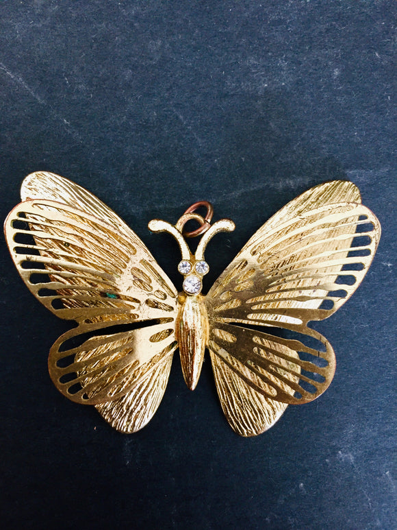 Gold Winged Butterfly Pendant (ref: 5669)