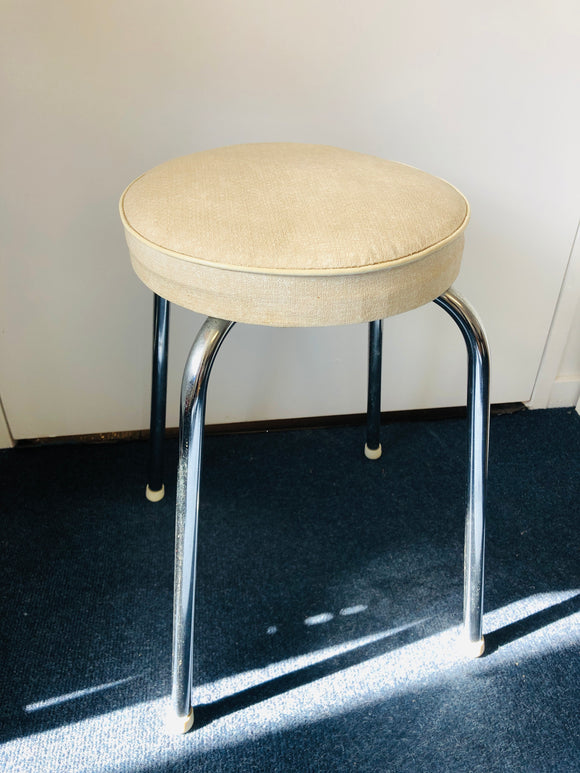 Retro Cream Vinyl & Chrome Stool Seat (8775)
