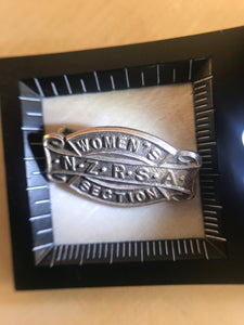1941 RSA Women's Section SILVER Badge (ref: 6220)