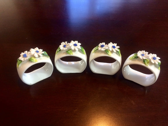 4 x Gorgeous Daisy hand-modelled Napkin Holders (ref: 2639)