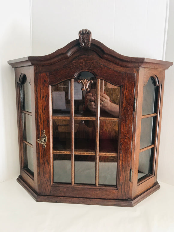 Small Antique Display Cabinet with Key (9054)