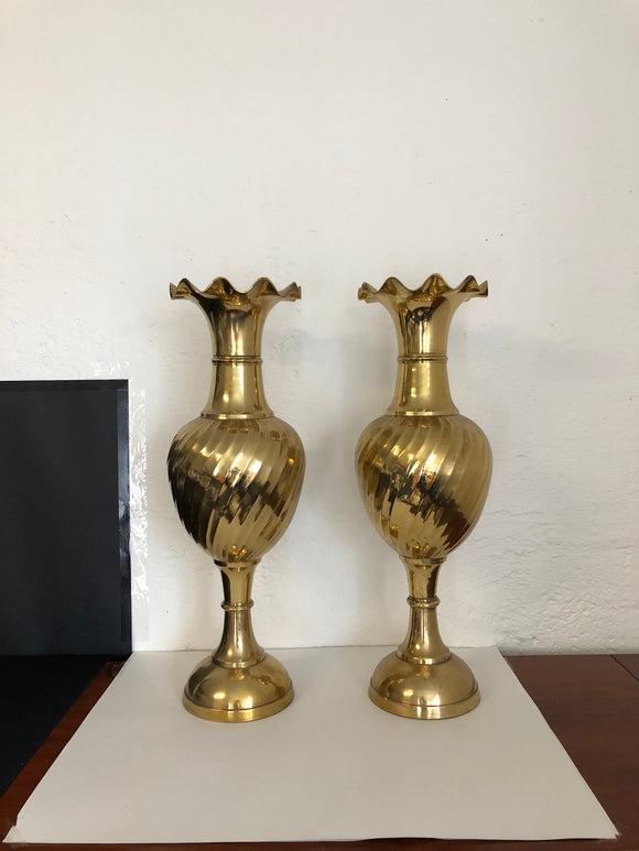2 Very Large Brass Vases / Urns (ref: 6517)