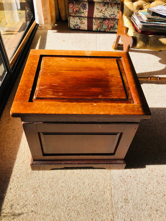 Antique Square Chest (ref: 6012)