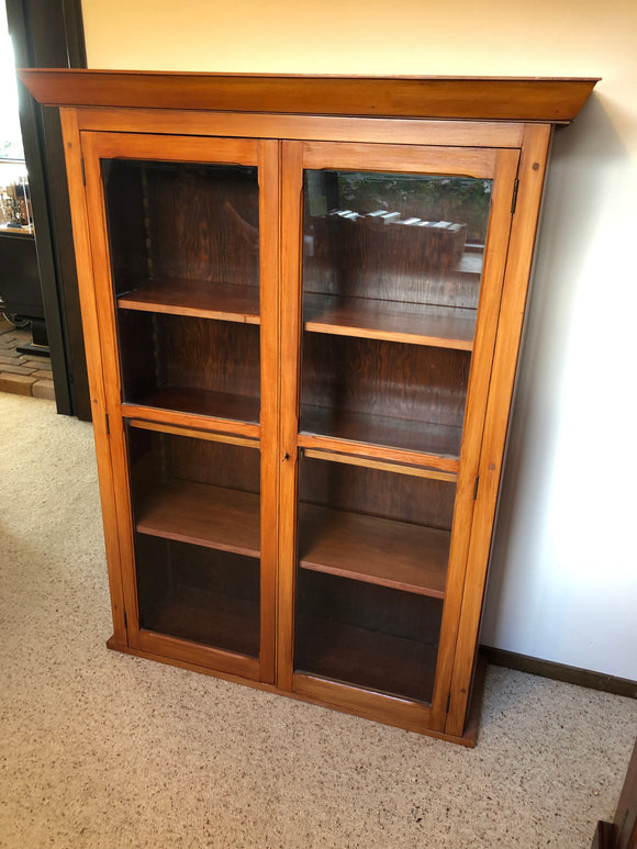 Antique Bookshelf with Doors (ref: 6027)