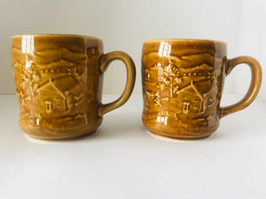 1960's Crown Lynn 2 x Mugs (7378)