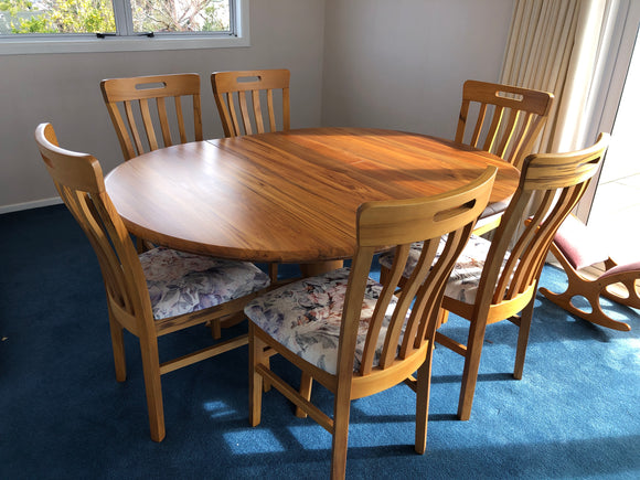Round Rimu Table and 6 Chairs (ref: 7148)