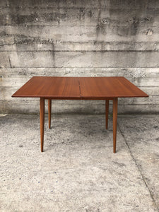 Mid-Century Extentable Table (ref: 7330)