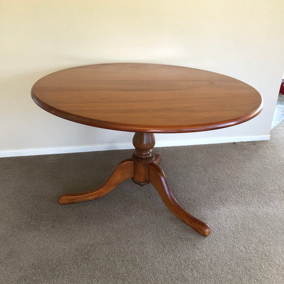 Round Kauri Dinning Room Table (7761)