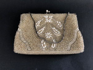 Heavily Beaded Art Deco / Retro Clutch Handbag (8048)