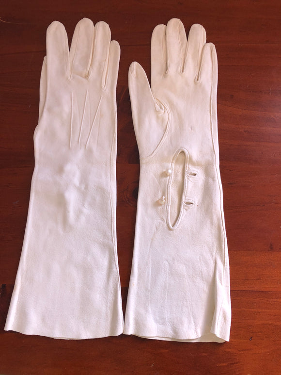 Art Deco English Long Cream Gloves (8104)