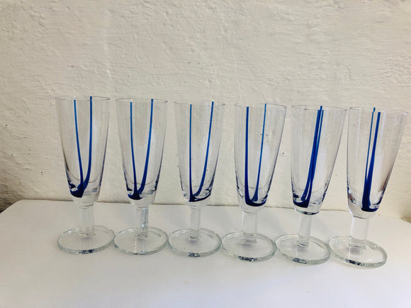 Stunning Set of 6 Glasses - Blue Streak (8119)