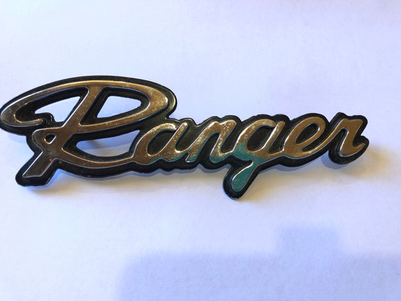 Chrysler Valiant Ranger Car Badge (8121)